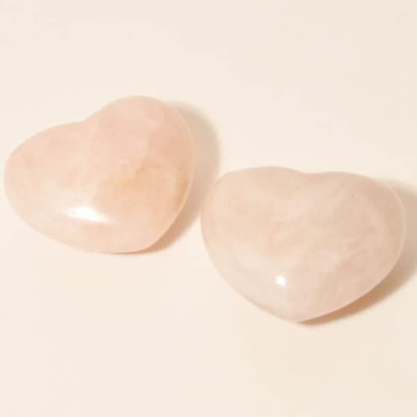Розовый кварц в форме сердца
