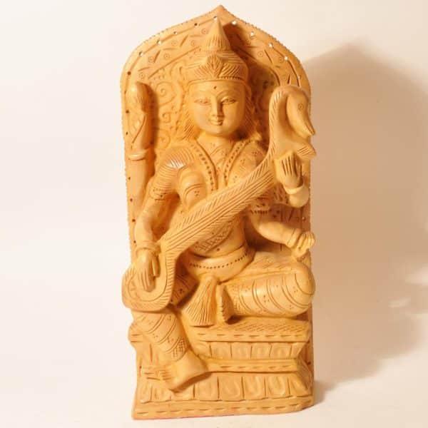 деревянная статуэтка Сарасвати