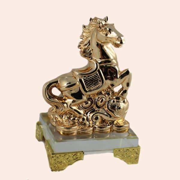 Конь на монете