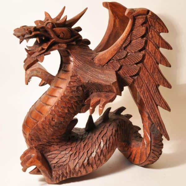 Статуэтка дракона из красного дерева