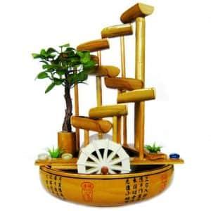 Фонтан-лестница с мельничным колесом