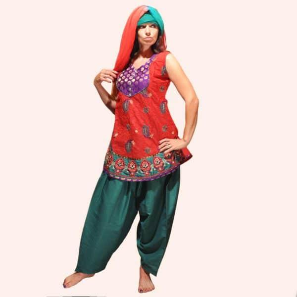Красно-зелёный шальвар камиз