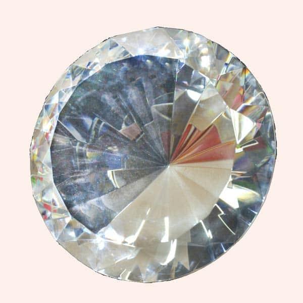 Бриллиант 15 см белый
