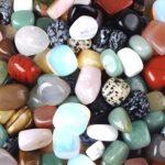 бусы и браслеты из камня