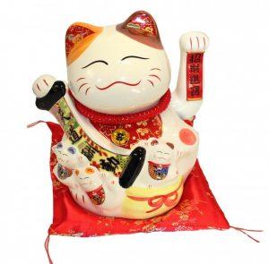 Кот удачи манеко неко фарфоровый с молитвенным свитком