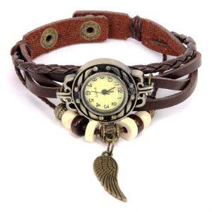 Часы с коричневым плетеным ремешком