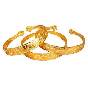 Металлический браслет под золото
