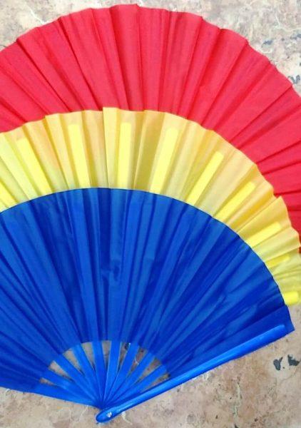 веера разноцветные